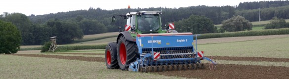Traktor mit digitaler Technik